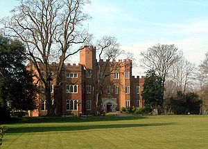 300px-Hertford_Castle