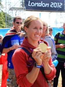 800px-Helen_Glover_with_2012_Olypic_Gold_medal